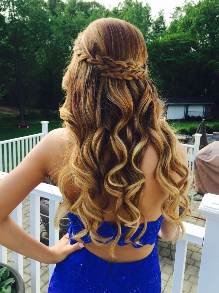 How To Achieve The Perfect Prom Hair